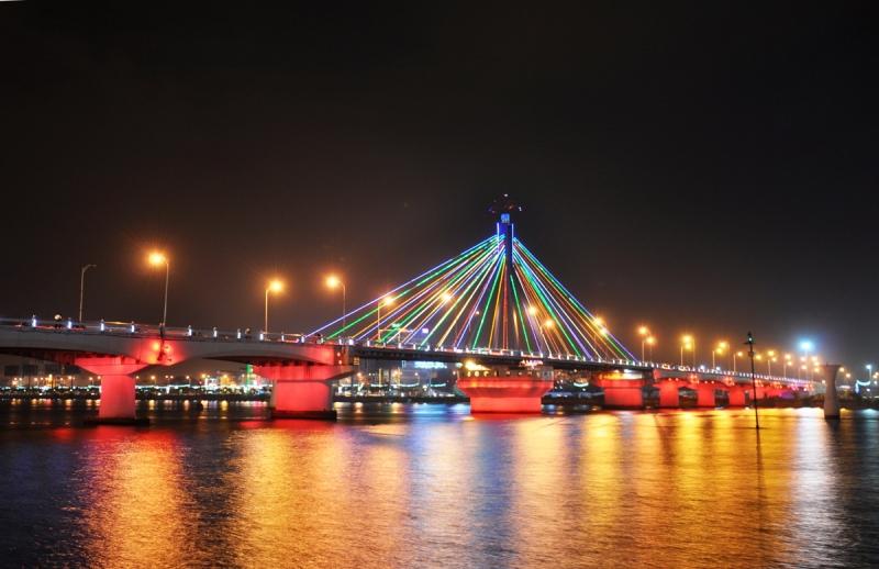 Cầu sông Hàn là cầu quay duy nhất tại Việt Nam
