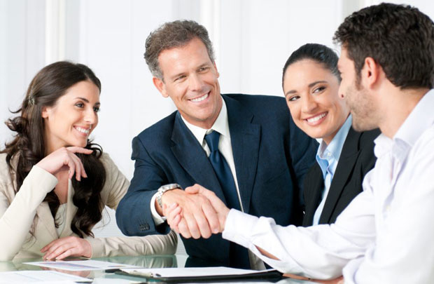 Các mối quan hệ tốt sẽ giúp ích rất nhiều cho bạn trong công việc