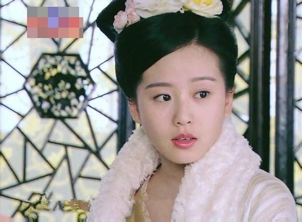 Tân Thập Tứ Nương xinh đẹp được thể hiện bởi Lưu Thi Thi