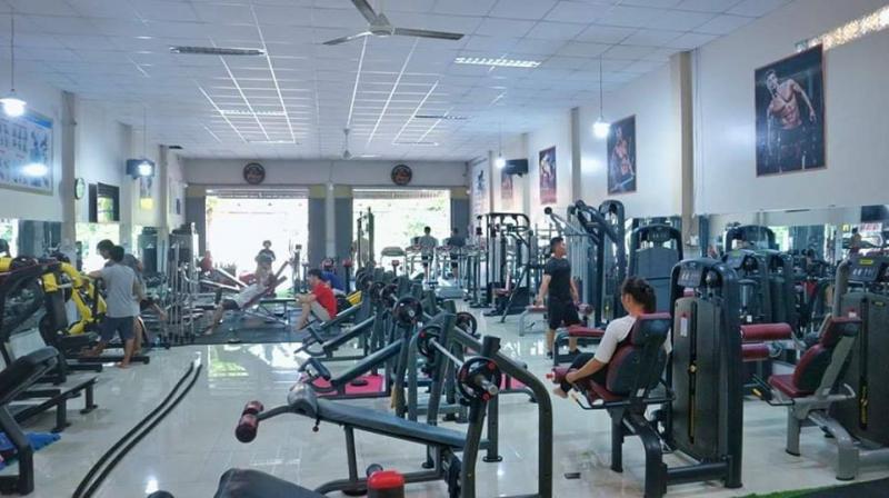 Tấn Tới Gym với vị trí mặt tiền, dễ tìm cộng thêm không gian rộng rãi, sạch sẽ là nơi giúp bạn có những phút giây tập luyện thoải mái nhất