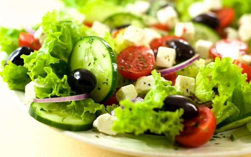Rau xanh và chất xơ vào mỗi bữa sáng rất hữu hiệu để có vóc dáng đẹp
