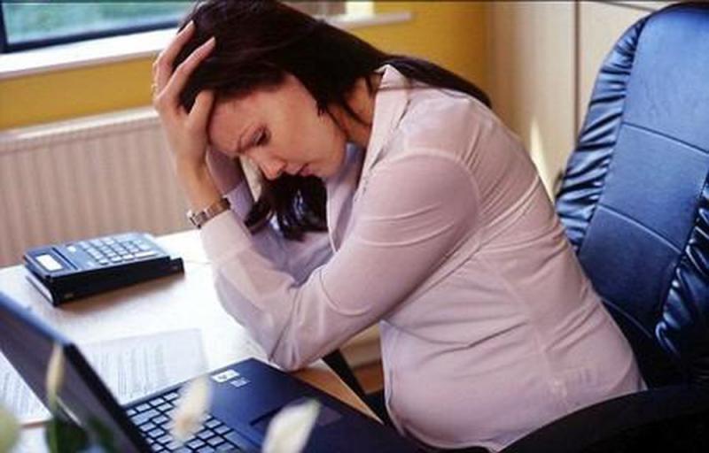 Ngồi quá nhiều có thể làm tăng nguy cơ mắc ung thư đại tràng, vú và tử cung