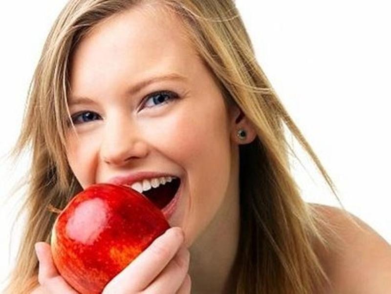 Táo cũng là loại trái cây tốt mà bạn nên ăn hàng ngày