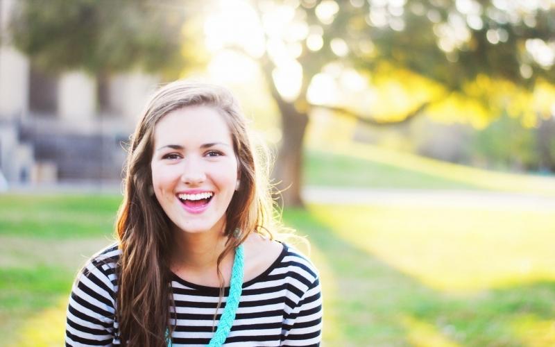 Cười tạo cảm giác phấn khích, hạnh phúc cho bản thân và những người xung quanh
