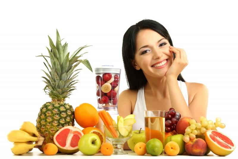 Bổ sung nhiều hoa quả và rau xanh cho bữa ăn hàng ngày là điều bạn nên làm.