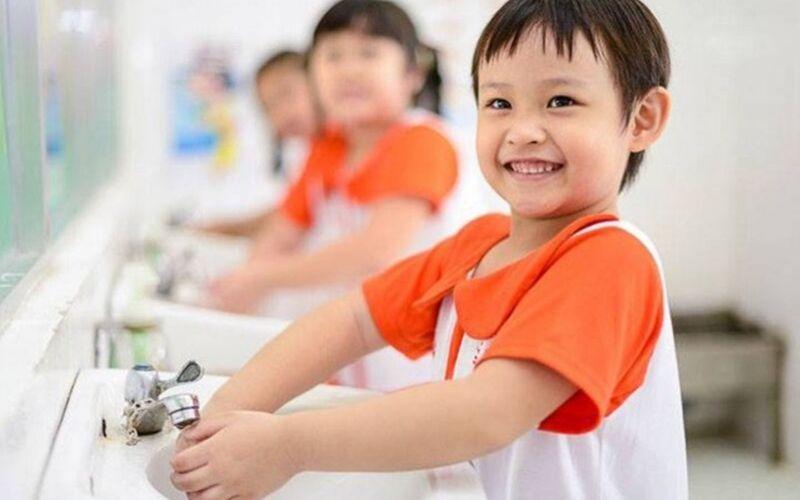 Tạo cho trẻ thói quen rửa tay thật sạch