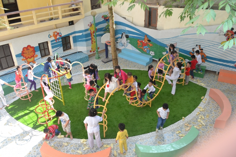 Tạo nên môi trường đẹp thu hút sự chú ý của trẻ