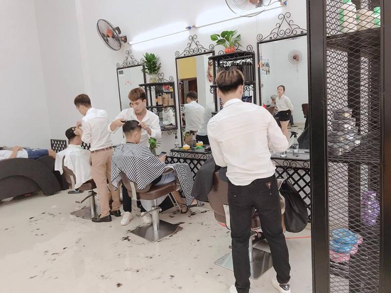 Salon tóc nam Anh Anh tại 157-159 Điện Biên Phủ, Buôn Ma Thuột
