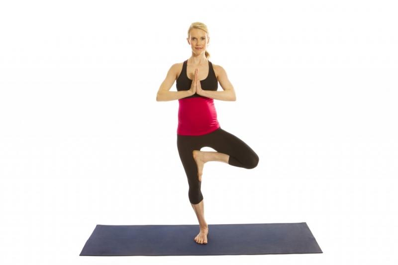 Các bài tập yoga nhẹ rất tốt cho bà bầu