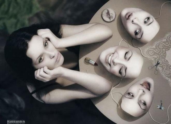 Hãy gỡ bỏ hết mặt nạ ra và sống thật với chính mình