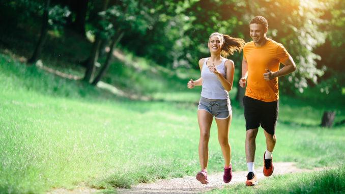 Tập thể dục hàng ngày, ăn uống điều độ, ngủ đủ giấc
