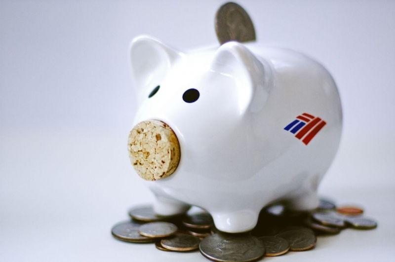Tập thói quen tiết kiệm và gửi vào ngân hàng