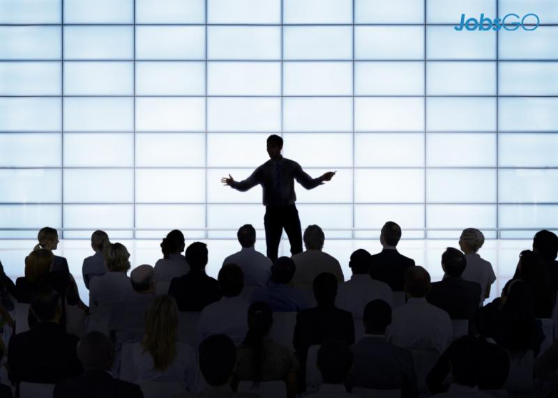 Tập thuyết trình trước đám đông