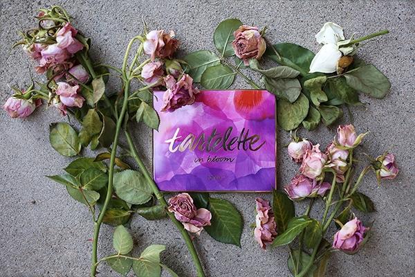 Bảng phấn mắt Tartelette in Bloom Palette - Tarte