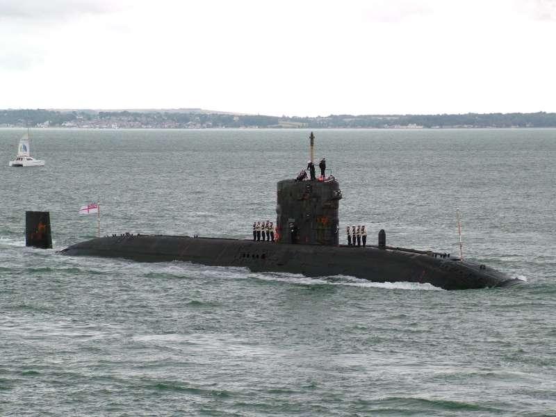 Tàu ngầm lớp Trafalgar – Anh