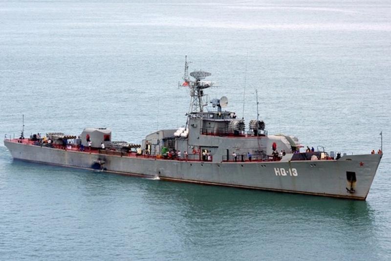 Tàu săn ngầm Petya HQ 13