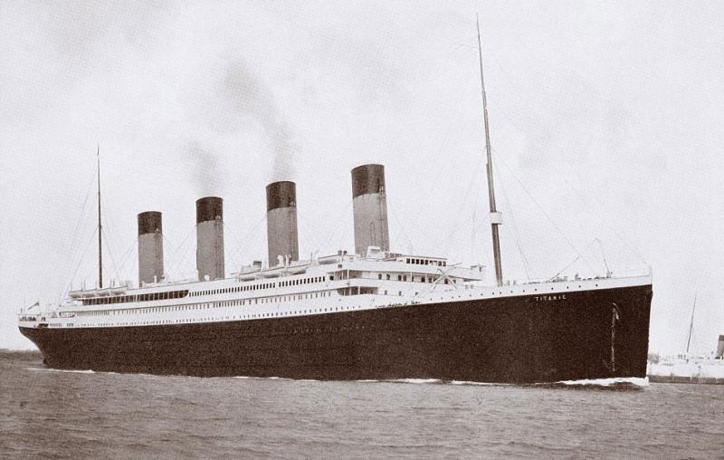 Ảnh chụp trước khi con tàu Titanic đâm vào tảng băng trôi