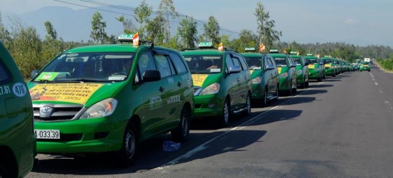 Đoàn xe Taxi Mai Linh