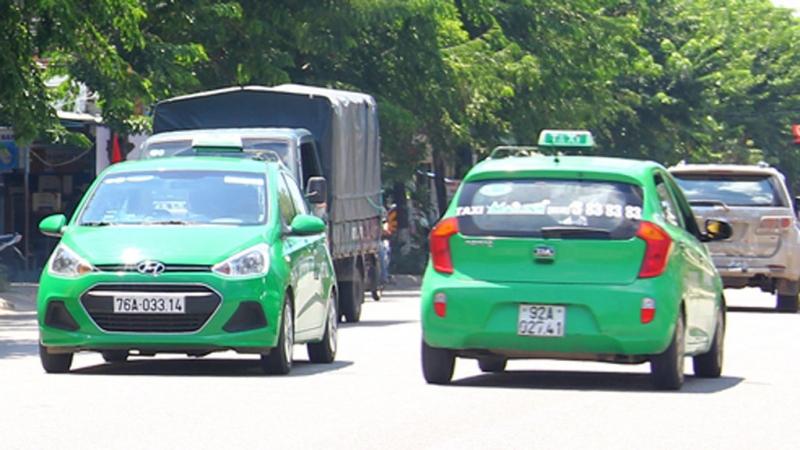 Rất nhiều xe của Mai Linh taxi xuất hiện trên đường phố