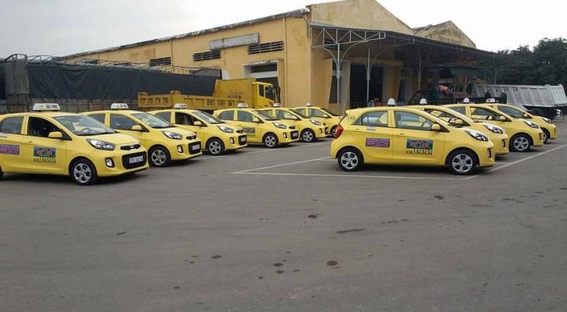 Khuôn viên bãi đậu xe Taxi Vinh