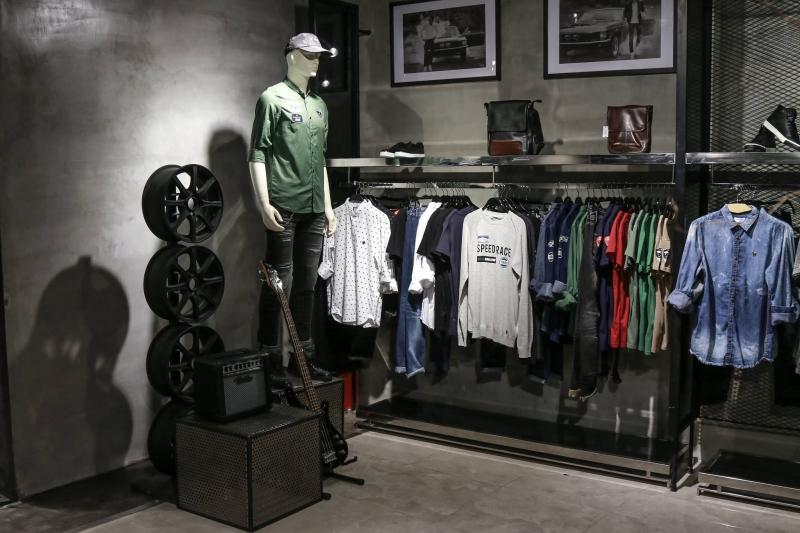 Thời trang củaTây Boutique mang phong cách năng động, trẻ trung