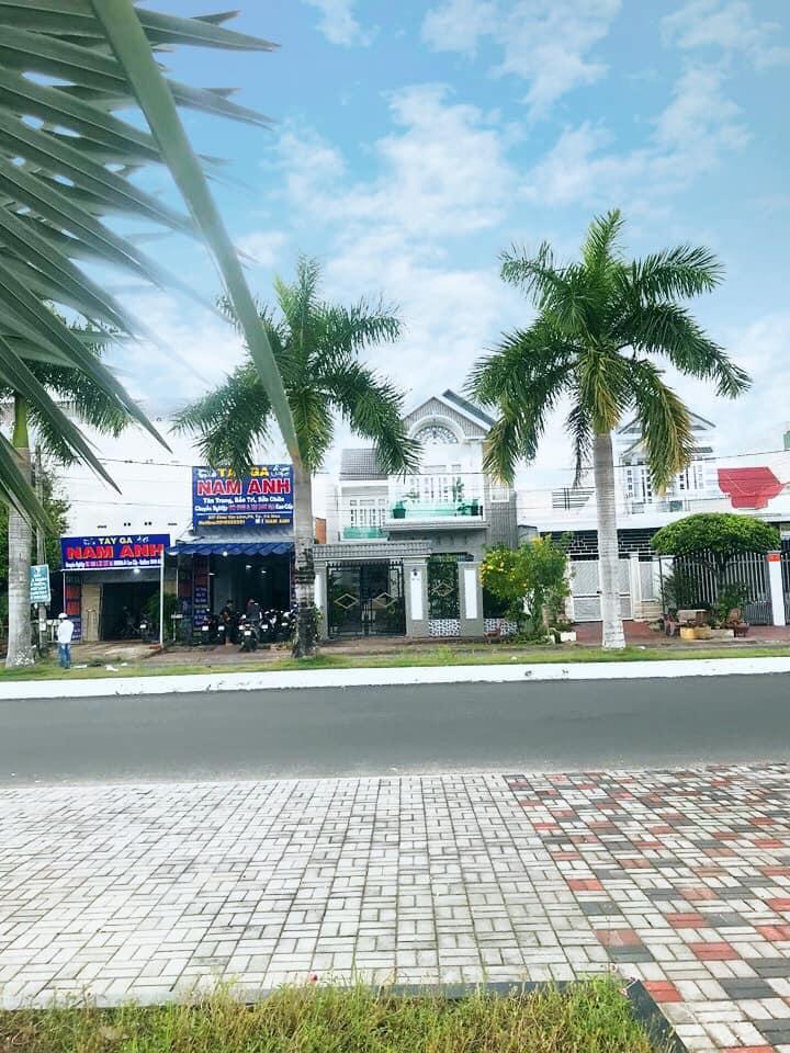 Tay Ga Nam Anh