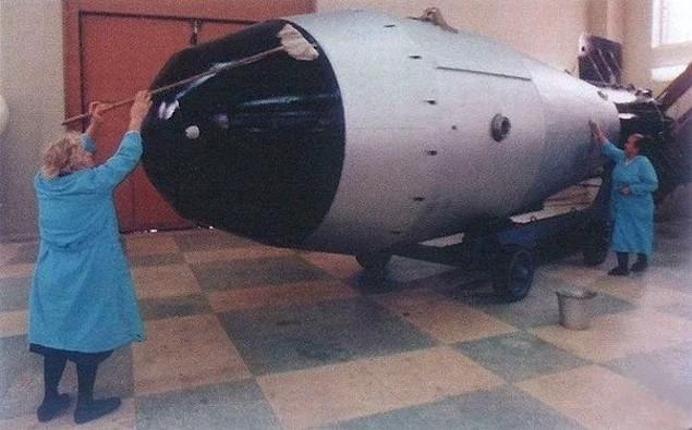 Tẩy rửa rửa bom nguyên tử ...