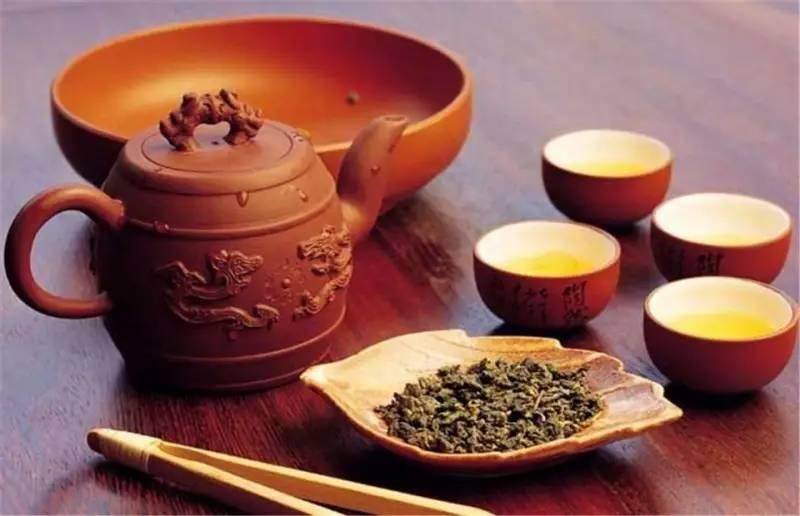 Tây Sơn Trà là loại trà đặc biệt được tạo nên từ nước suối trong lành và cây trà vùng núi Tây Sơn