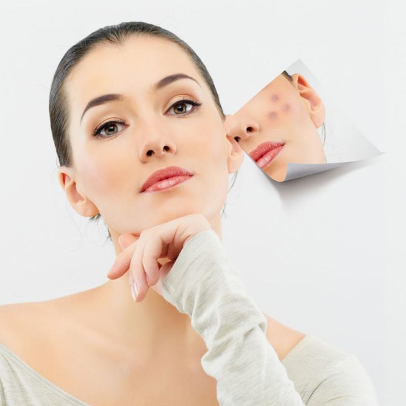 Mỗi tuần bạn nên tẩy tế bào chết từ 1 đến 2 lần để loại bỏ một số vi khuẩn gây hại trên da.