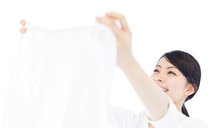 Tẩy vết ố bẩn do cỏ trên quần áo