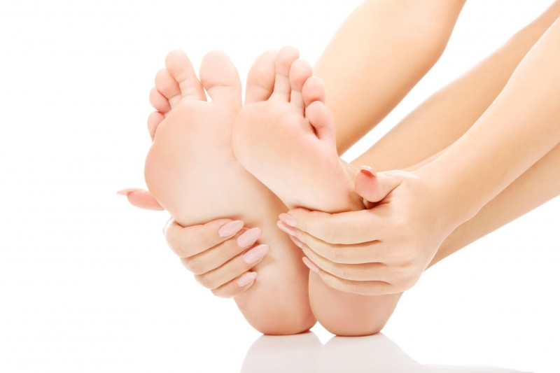 Mùa đông khiến các ngón tay, ngón chân dễ bị tê cóng