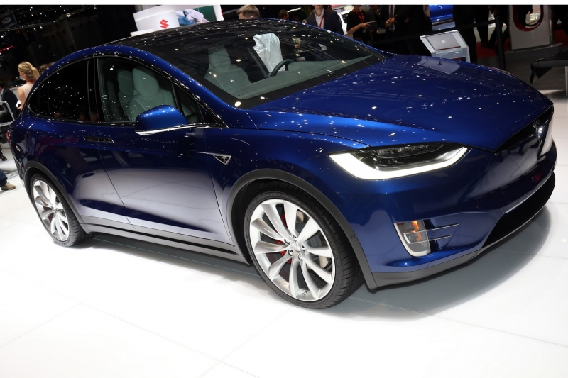 Hình ảnh thực tế Tesla Model X tại Geneva