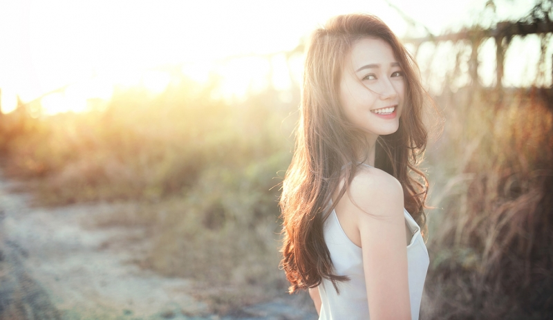 Nụ cười rạng rỡ là trang sức đẹp nhất của một cô gái