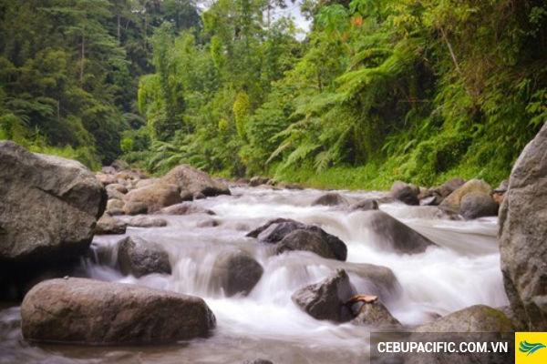 Thác nước Cotabaco là một trong mười thác nước đẹp nhất thế giới