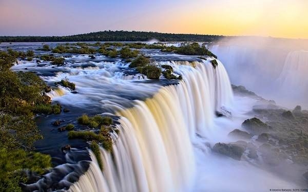Thác nước Iguazu