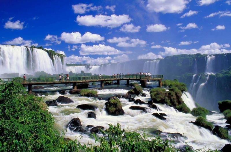 Cận cảnh vẻ đẹp ấn tượng và hùng vĩ của thác Iguazu