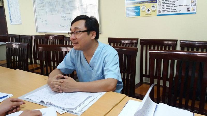 Bác sĩ Hùng