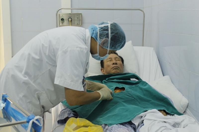 Thạc sĩ, bác sĩ Đỗ Gia Phú hiện đang công tác tại Bệnh viện bưu điện Hà Nội