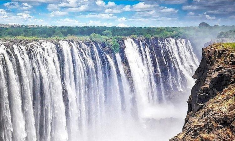 Thác Victoria (Zambia và Zimbabwe)