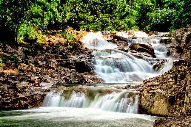 Khung cảnh đẹp lung linh của thác Yang Bay