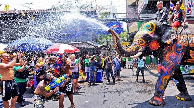Lễ hội té nước tại Thái Lan