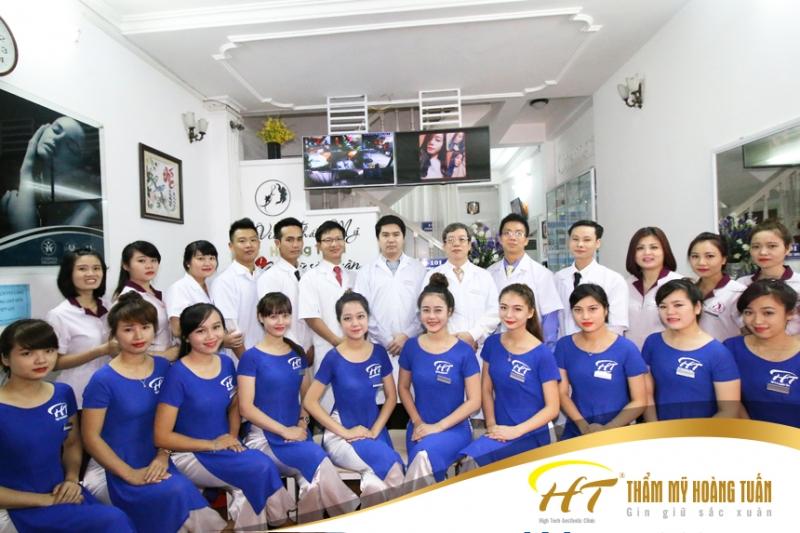 Thẩm mỹ Hoàng Tuấn có đội ngũ nhân viên đông đảo