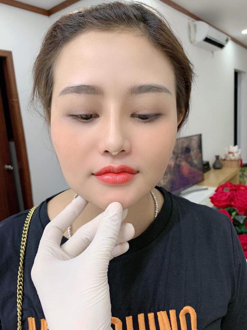 Thẩm Mỹ Khánh Hiền