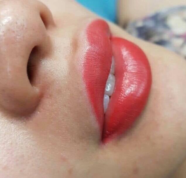 Phun môi với công nghệ candy lips tại thẩm mỹ Vân Anh