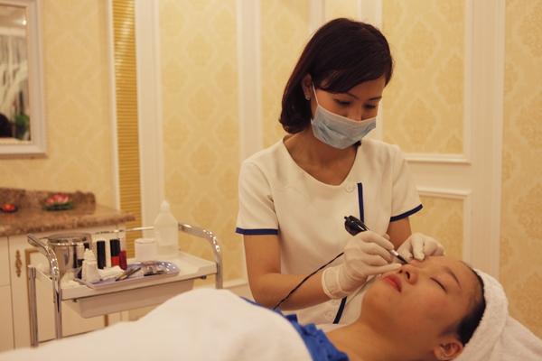 Thẩm mỹ viện Đông Á - địa chỉ đào tạo nghề phun xăm thẩm mỹ uy tín nhất Hà Nội