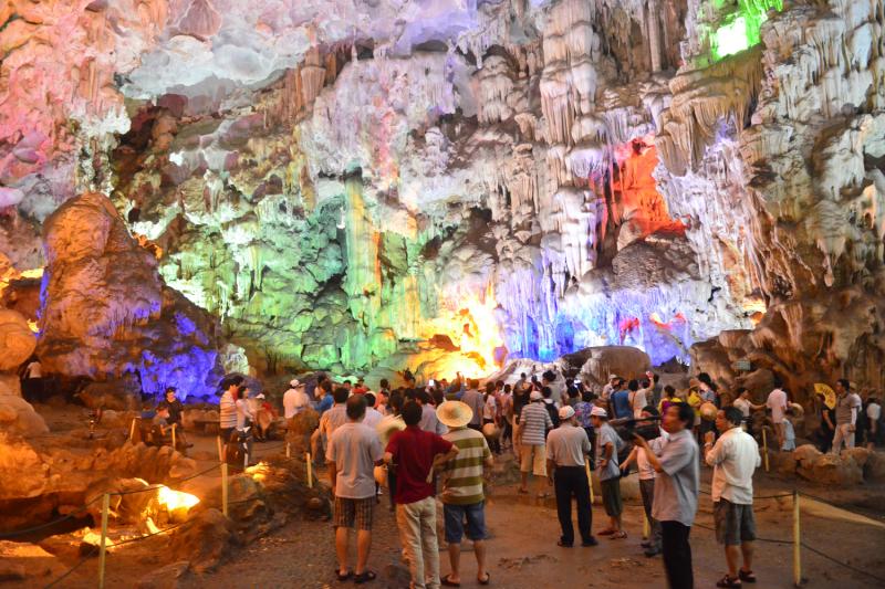 Tham quan công viên Jurassic ở hang động Jomblang