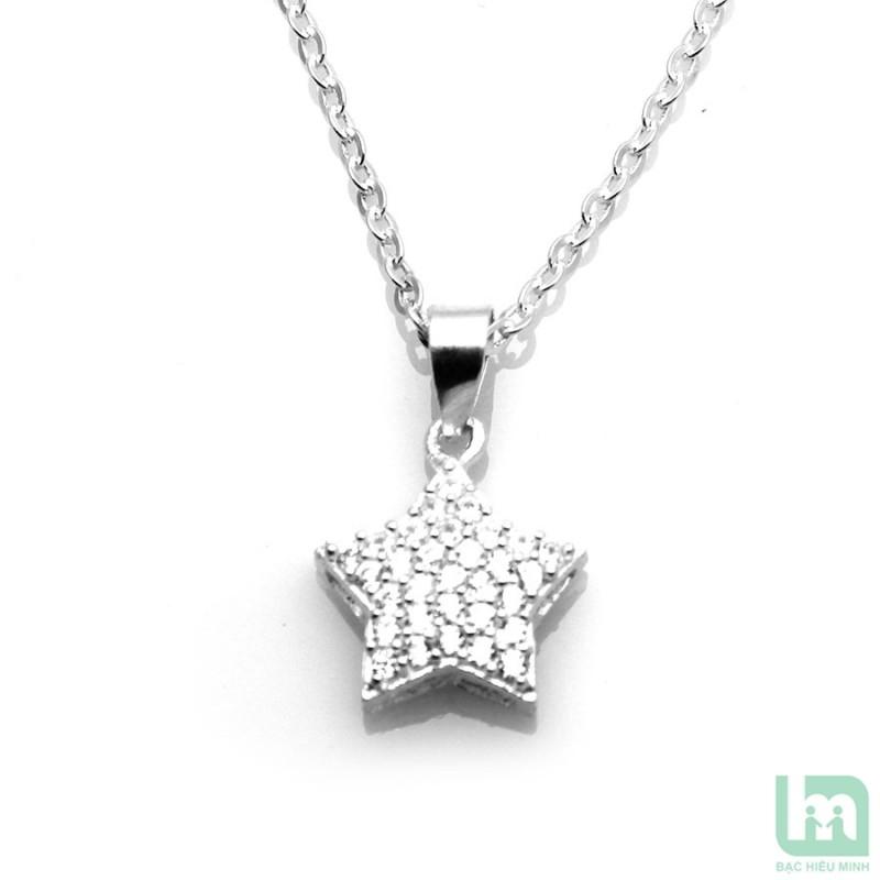 Mặt dây chuyền hình ngôi sao bạc sẽ mang lại may mắn cho bạn