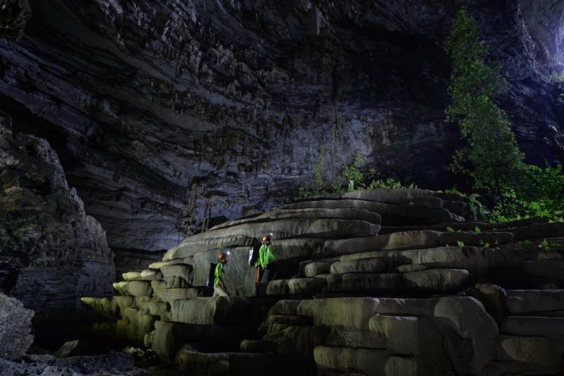Hang Tiên - hang động đẹp bậc nhất ở Việt Nam khiến bạn cảm thấy choáng ngợp về độ kỳ vĩ của nó