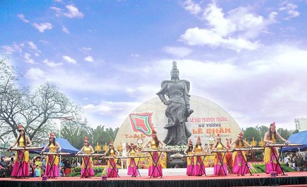 Lễ hội nữ tướng Lê Chân