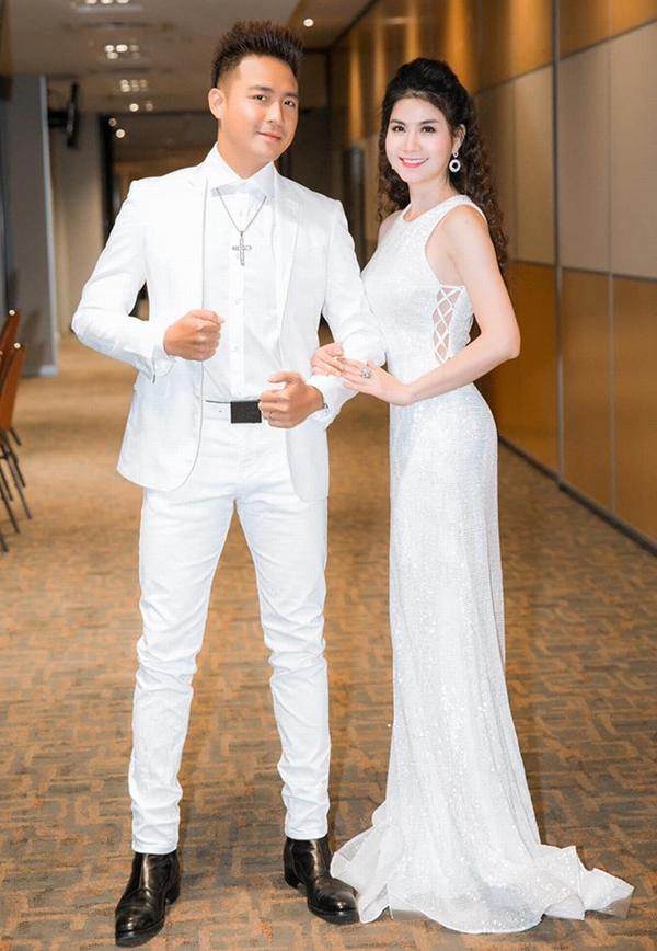 Vợ chồng Thanh Duy - Kha Ly hạnh phúc khiến nhiều người ngưỡng mộ
